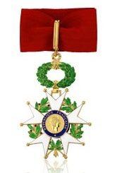 Une médaille d'honneur est une récompense pour les années de travail.